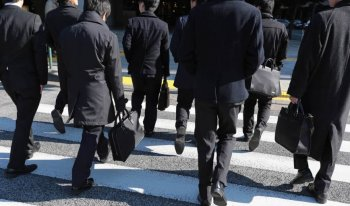 Perdana Menteri Shinzo Abe Rencanakan Program Ekonomi untuk Menolong Kaum Hikkikomori